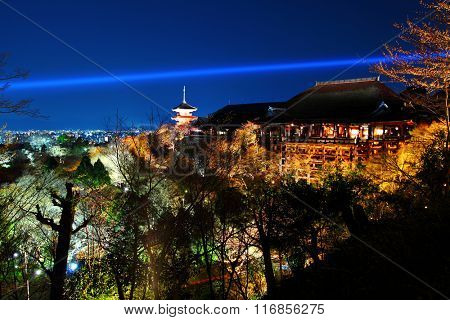Kiyomizu temple at night