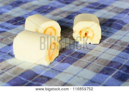 Butter Roll Cake