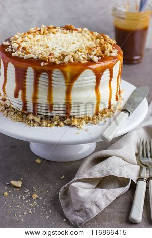 Salted Caramel  And Nuts Cake