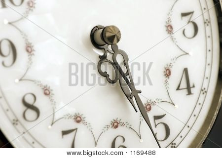 Old Clockold Clock Pointing At Thirty Past Five