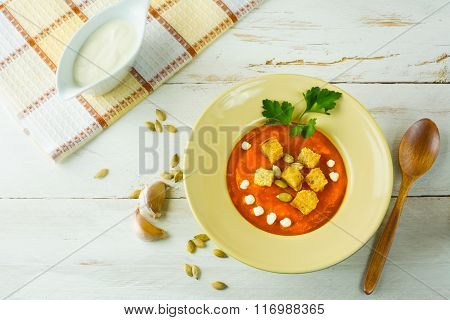 Creamy Pumpkin Soup With Garlic Croutons