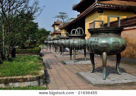 Nine Dynasty Urns