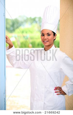 Chef ringing doorbell