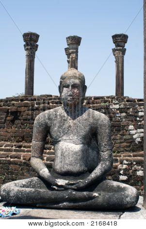 Buddha, Wall And Pillars