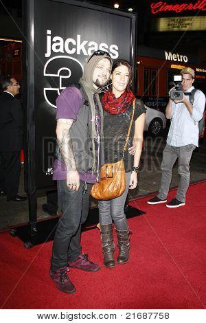 LOS ANGELES - 10 de abril: Bam Margera na estréia Jackass 3D realizada no Teatro Chinês de Grauman em L