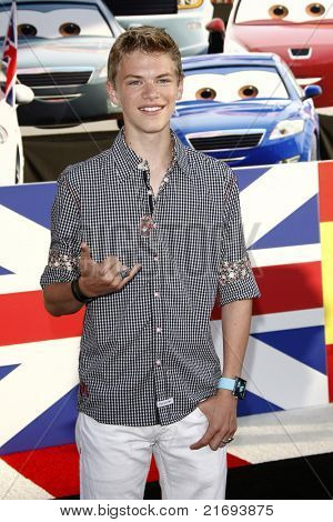 LOS ANGELES - JUN 18:  Kenton Duty arriving at the