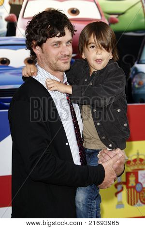 LOS ANGELES - JUN 18:  Tom Everett Scott arriving at the