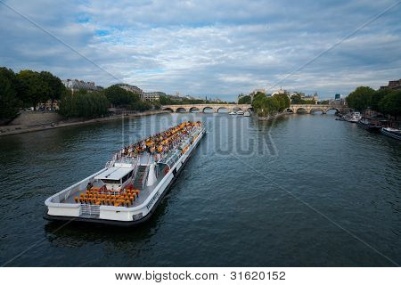 Seine River Cruise Ship Paris H