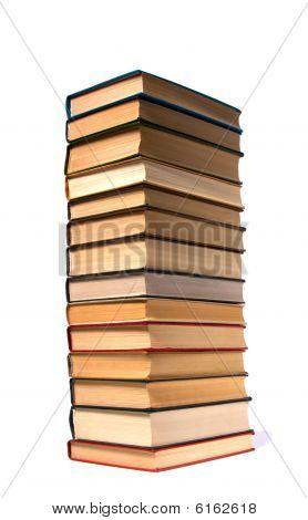 Pila de libros aislado en blanco