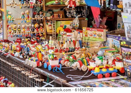 Souvenir Shop At Havels Market