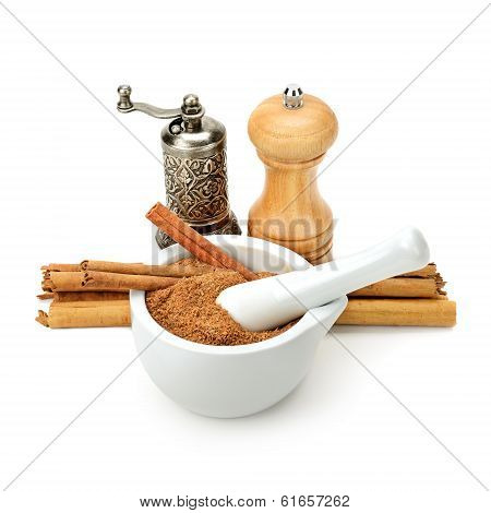 Cinnamon,  Mill And Mortar Grinder