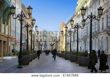 Small Garden Street in downtown St. Petersburg in winter