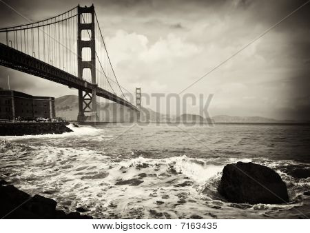 Beautiful B&w Golden Gate Bridge In San Francisco