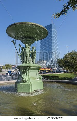 The Historic Fountain At Bankowy Square In Warsaw .