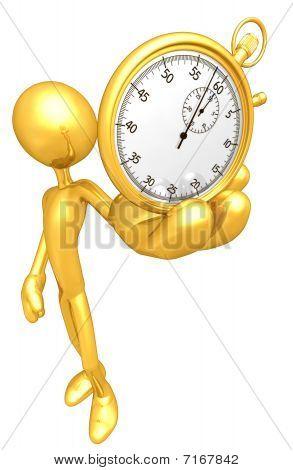 Chico de oro sosteniendo un cronómetro