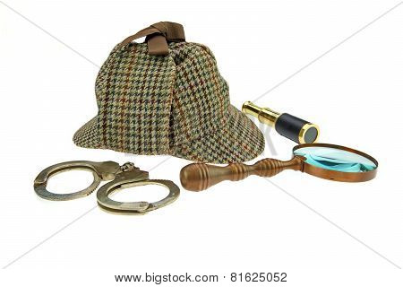 Deerstalker Hat, Magnifier, Handcuffs And Spyglass