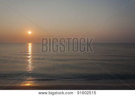 Sunshine at dawn - landscape orientation