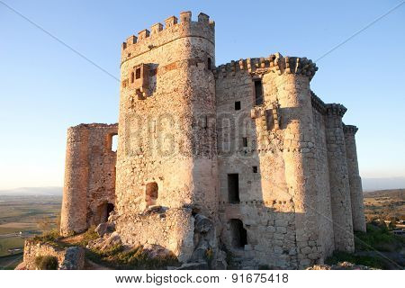 Ancient castle in ruins located in the north of C���¡ceres. In Spain
