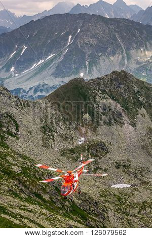 Zako pane Poland-July 4, 2015: Helicopter mountain rescue service in the High Tatras.