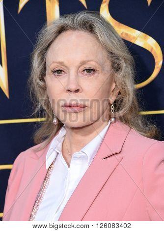 LOS ANGELES - APR 11:  Faye Dunaway arrives to the