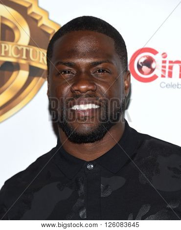 LOS ANGELES - APR 12:  Kevin Hart arrives to CinemaCon 2016: Warner Bros.