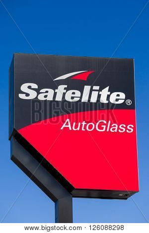 Safelite Autoglass Sign And Logo