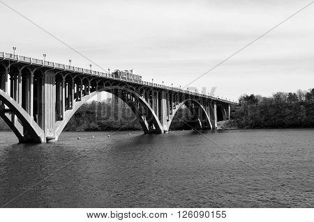 The Ford Parkway Bridge between Minneapolis and Saint Paul in Minnesota
