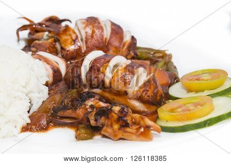 squid grilled with vegetables in tomato sauce