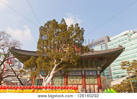 SEOUL SOUTH KOREA - MARCH 14 2016: Grate Hero (Main) Hall of Jogyesa Temple (founded in 1395 as Gakhwangsa Temple) in Seoul Korea. Jogyesa Temple is the center of Seon (Zen) Buddhism in Korea