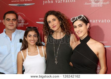 LAS VEGAS - APR 17:  Peter Constantinides, Karina Constantinides, Melina Kanakaredes, Zoe Constantinides at the Stuart House Benefit at the John Varvatos Store on April 17, 2016 in West Hollywood, CA