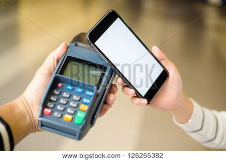 Customer pay with cellphone