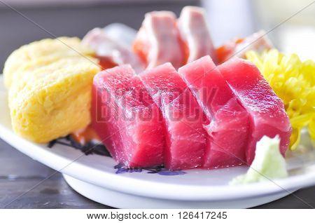 salmon sashimi , tuna sashimi , sashimi dish