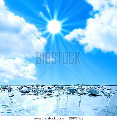 gotas de agua bajo el sol