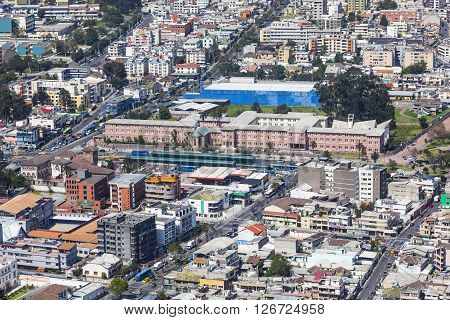 Aerial view of the northern sector of downtown Quito and the Major Seminary at Av. America, Columbus and La Gasca.