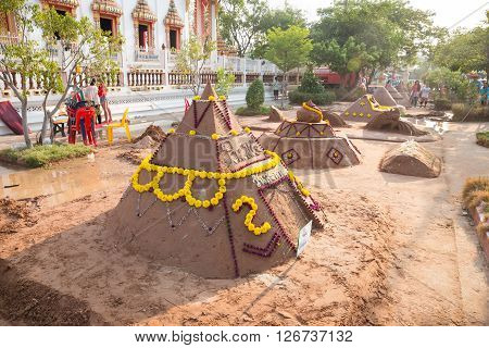 Nakhon Ratchasima,thailand - April 13: Thai People Come To Build The Sand Pagoda For Return The Sand