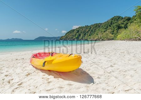 Summer Travel Vacation and Holiday concept - Colorful kayaks on the tropical beach Thailand?