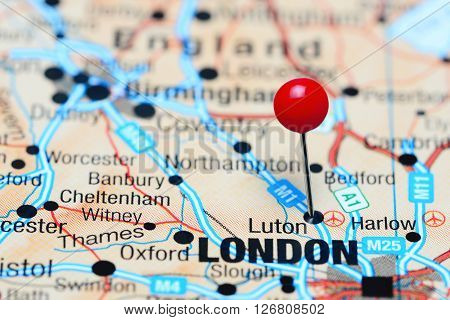 Luton pinned on a map of UK
