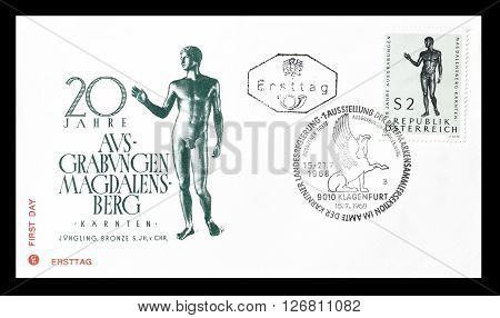 AUSTRIA - CIRCA 1968 : Cancelled First Day Cover letter printed by Austria, that shows Bronze statue.