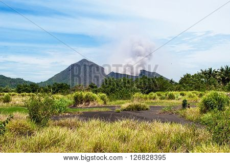 Tavurvur (Rabaul ) volcano. Rabaul, New Britain Island, Papua New Guinea