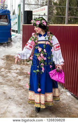 Russian Performer Celebrates Maslenitsa Sun Festival