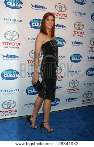 LAS VEGAS - APR 21:  Kate Walsh at the Keep It Clean Comedy Benefit For Waterkeeper at the Avalon Hollywood on April 21, 2016 in Los Angeles, CA