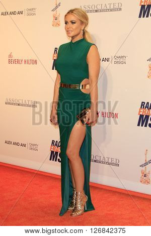 LAS VEGAS - APR 15:  Carmen Electra at the  23rd Annual Race To Erase MS Gala at the Beverly Hilton Hotel on April 15, 2016 in Beverly Hills, CA