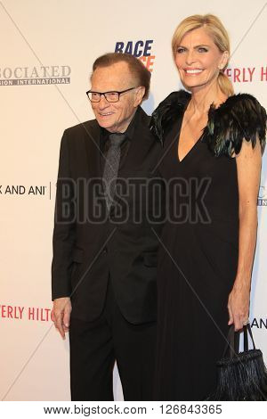 LAS VEGAS - APR 15:  Larry King, Shawn King at the  23rd Annual Race To Erase MS Gala at the Beverly Hilton Hotel on April 15, 2016 in Beverly Hills, CA