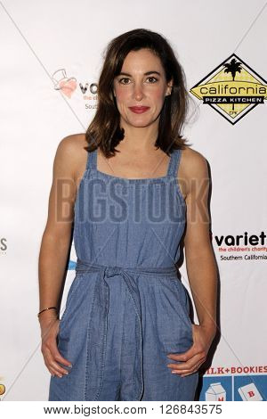 LAS VEGAS - APR 17:  Lindsay Sloane at the Milk + Bookies Story Time Celebration at the California Market Center on April 17, 2016 in Los Angeles, CA
