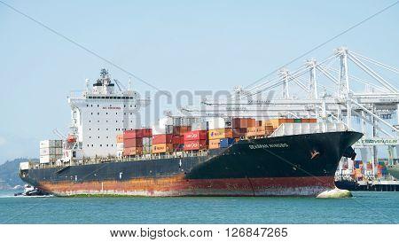 Cargo Ship Seaspan Ningbo Entering The Port Of Oakland