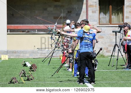 Recurve Bow Archery Competition