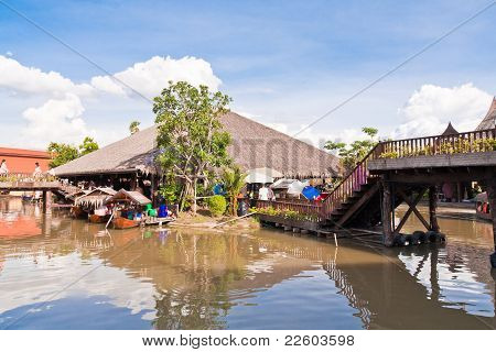 Bridge And Restuarant In Ayothaya Floating Market-july10