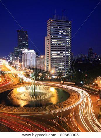 Night Traffic at roundabout