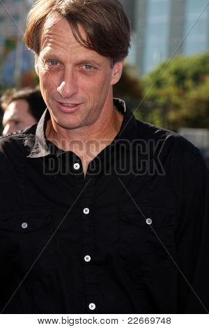 LOS ANGELES - AUG 14:  Tony Hawk arriving at the 2011 VH1 Do Something Awards at Hollywood Palladium on August 14, 2011 in Los Angeles, CA