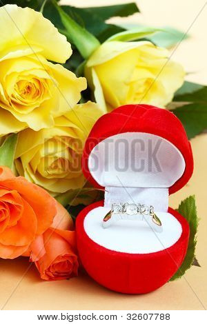 Ring with roses